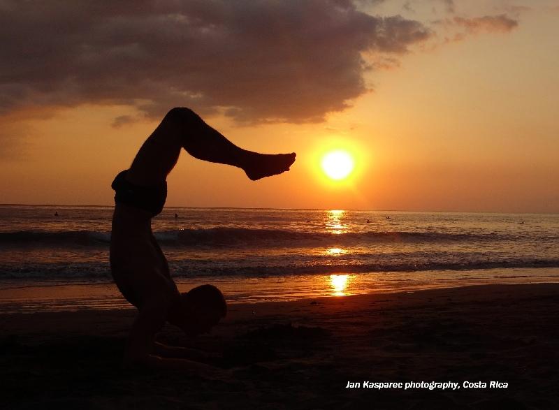 yoga-costa-rica.jpg, 190kB