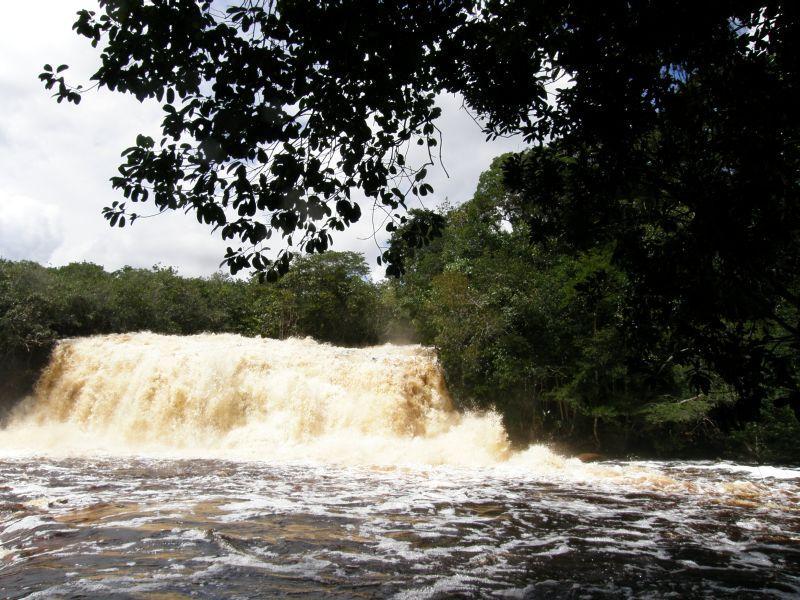 Pralesní vodopády - Brazílie- Amazonie a Manaus
