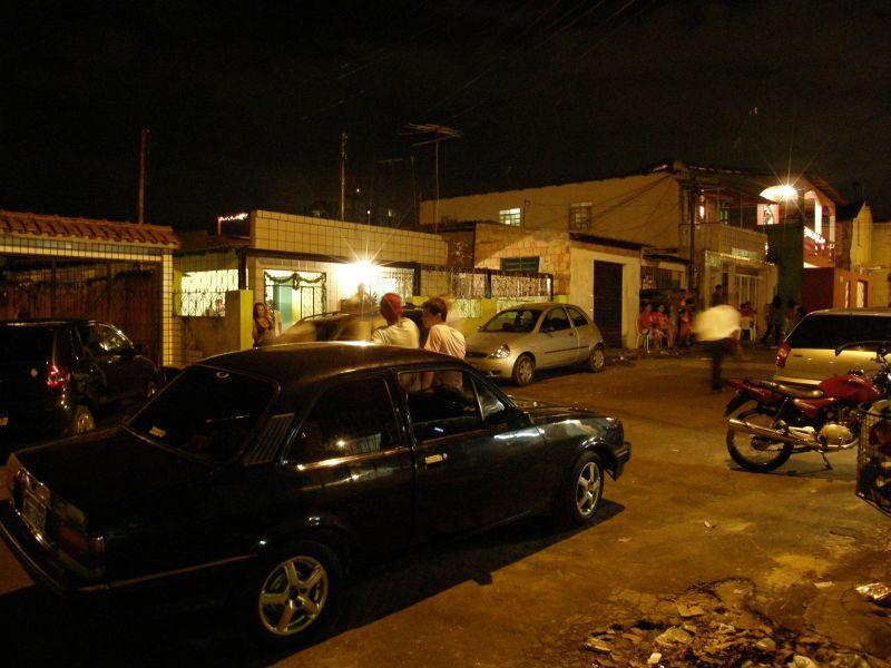 Předměstí Manaus v noci, prý nebezbečné :) - Brazílie- Amazonie a Manaus
