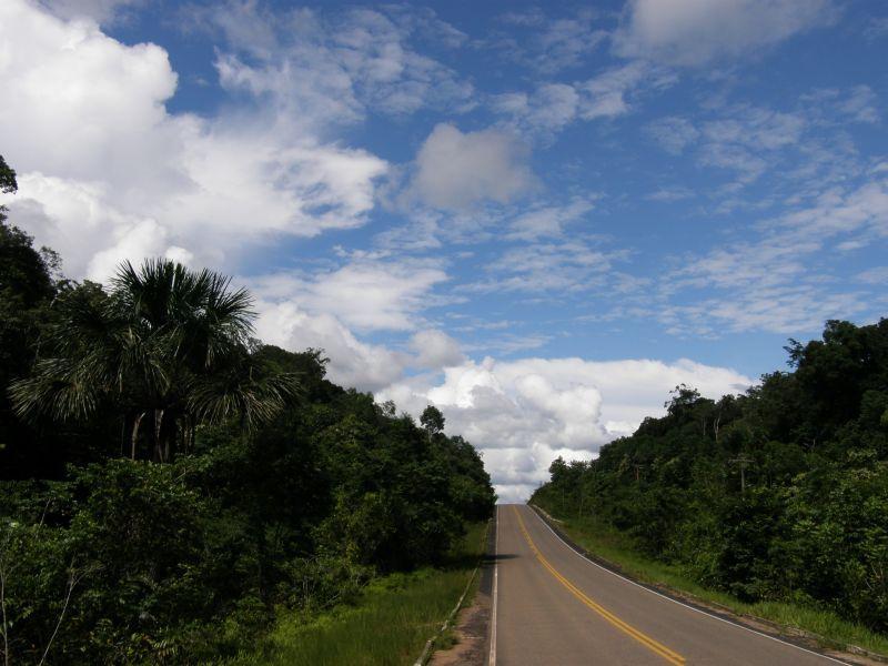 Silnice pralesem - Brazílie- Amazonie a Manaus