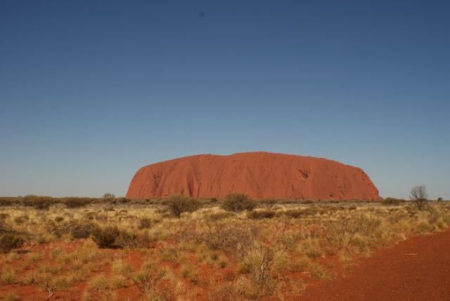 Ayres Rock / Uluru v pozdním odpoledni - Centrální Austrálie