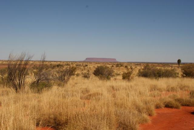 Stolová hora u Lesseter Highway cestou na Ayres Rock 2 - Centrální Austrálie