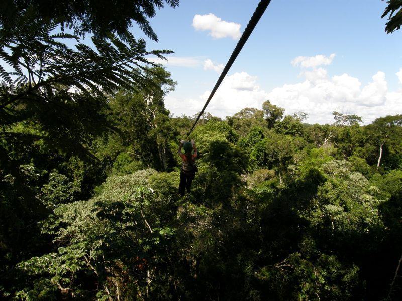 Jízda v korunách stromů - Vodopády Iguazu (Argentina)