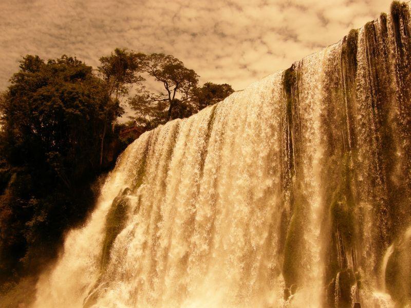 Pod padajícími vodami Paraná 2 - Vodopády Iguazu (Argentina)
