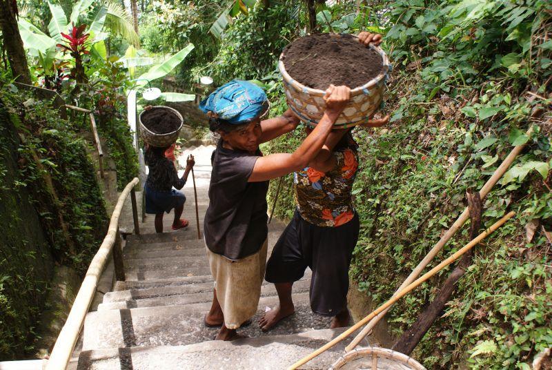 Předávání nákladu 2 - Indonésie- Bali