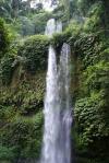 První vodopád poblíž Senaru - Indonésie- Lombok