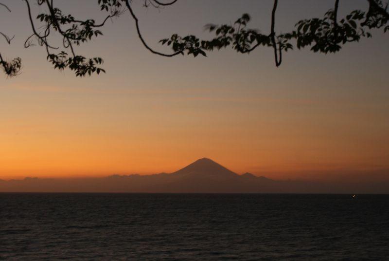 Sopka na severovýchodě Bali- pohled z Lomboku 2 - Indonésie- Lombok