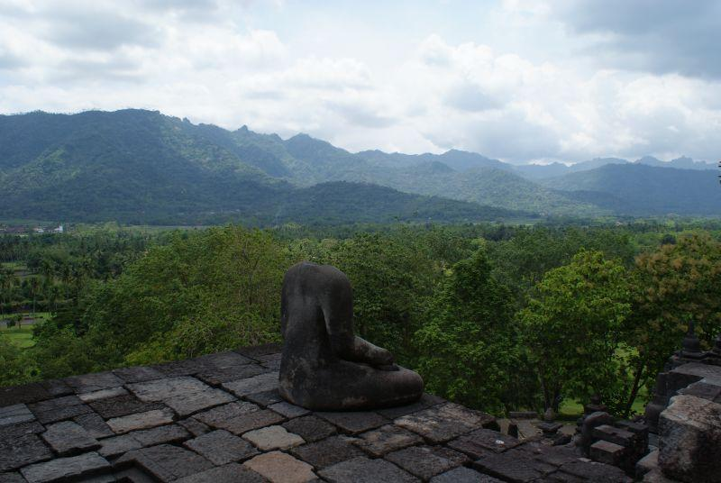 Bezhlavý Buddha, Borobudur - Indonésie- Yogyakarta