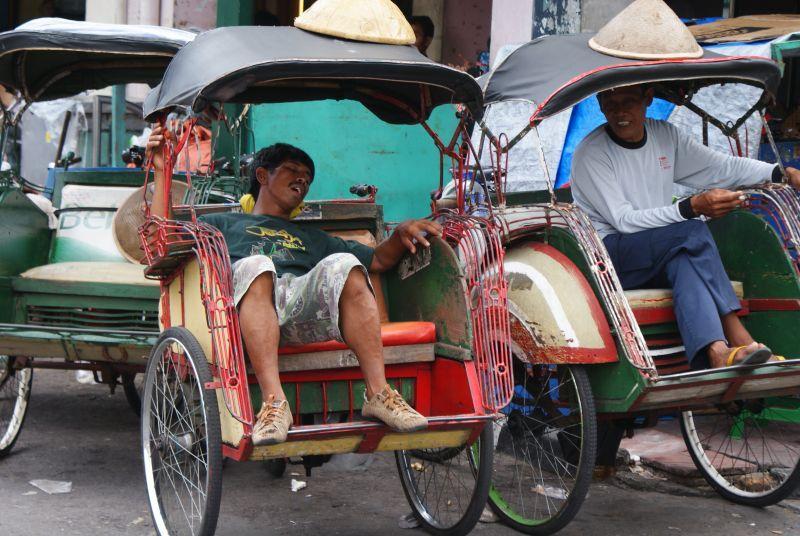 šlofík při šichtě 2 - Indonésie- Yogyakarta
