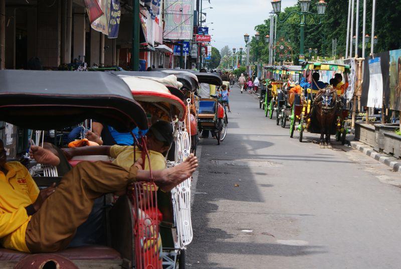 šlofík při šichtě - Indonésie- Yogyakarta