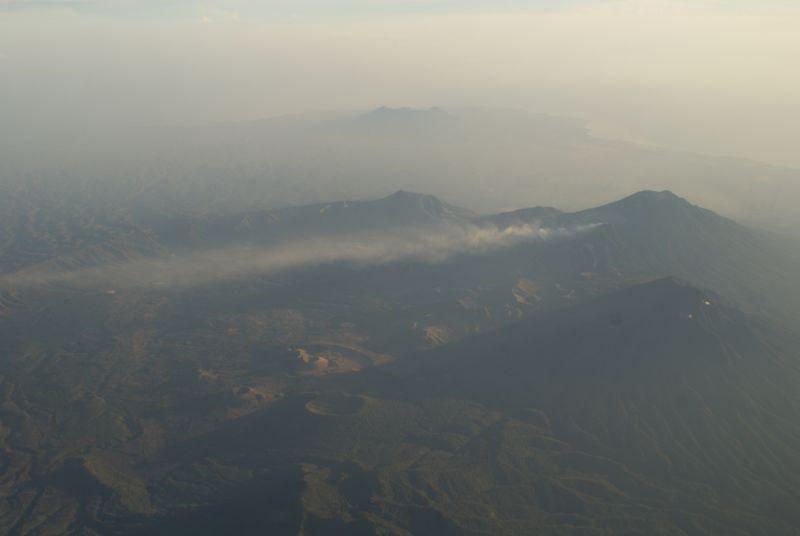 Sopka na východě Jávy, pohled z letadla 2 - Indonésie- Yogyakarta