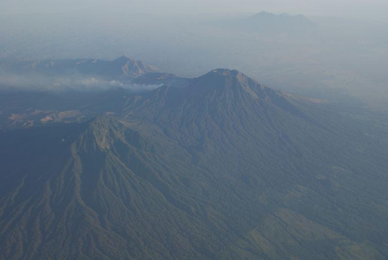 Sopka na východě Jávy, pohled z letadla - Indonésie- Yogyakarta