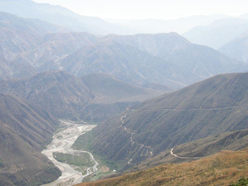 řeka v údolí, Chicamocha - Kolumbie